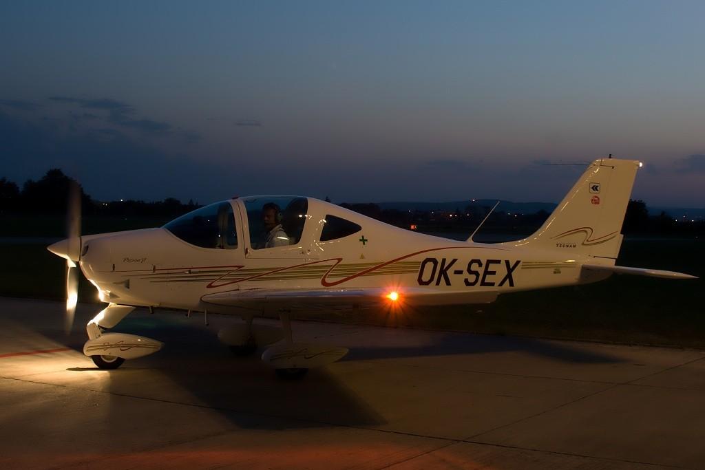 OK-SEX-P2002 JF, VFR Night 1