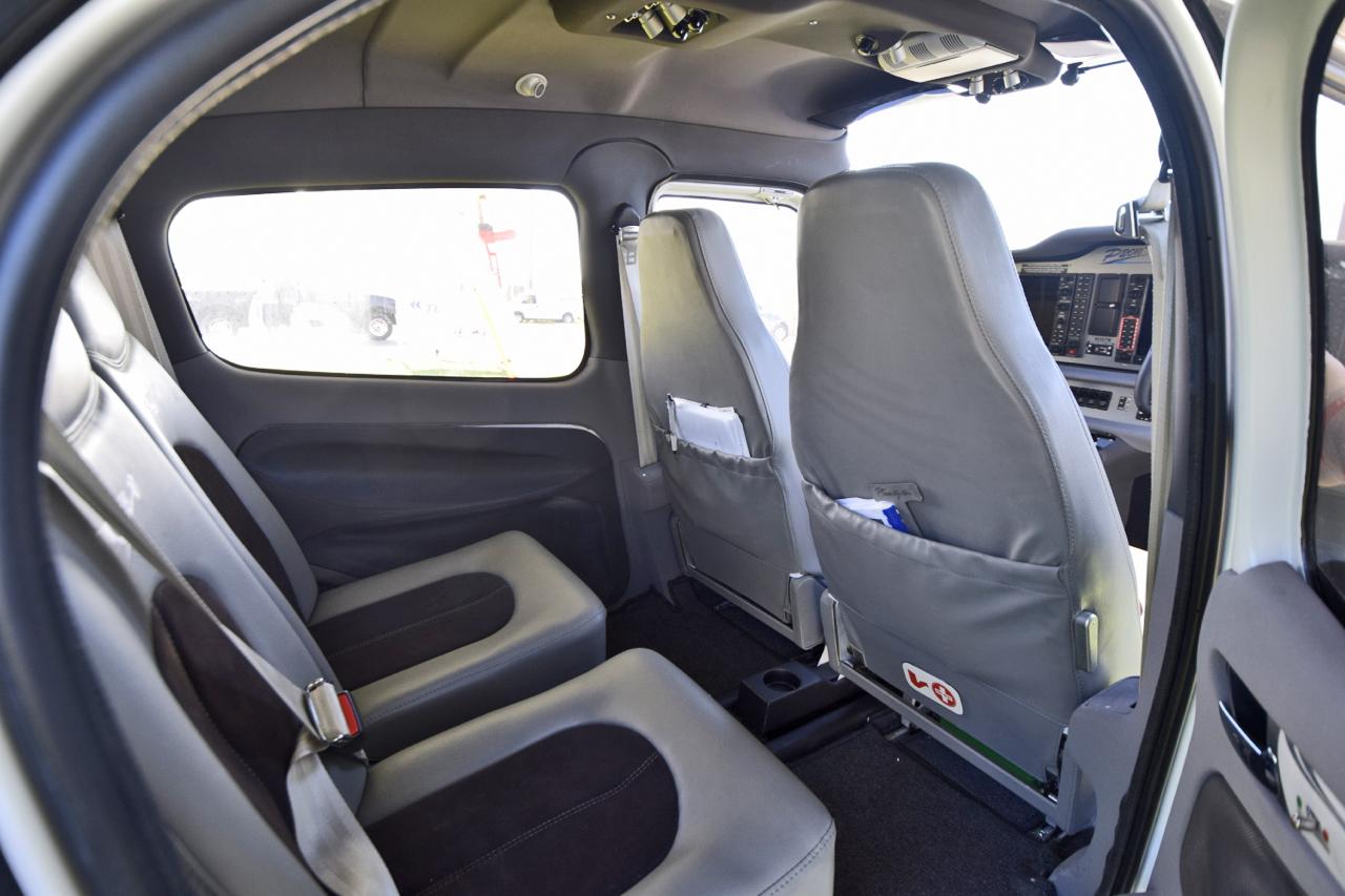 tecnam-P2010-interior